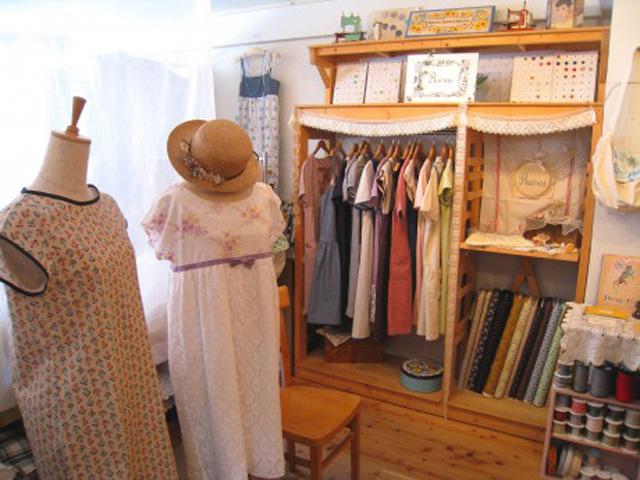 Rairai handmade clothes EXHIBITION